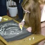 """Участница конкурса """"Мисс студенческого общежития"""" проводит мастер-класс – Картина за 10 минут!"""