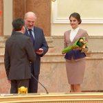 Вручение Президентом  Лукашенко А.Г. аттестата профессора-2.02.18 г